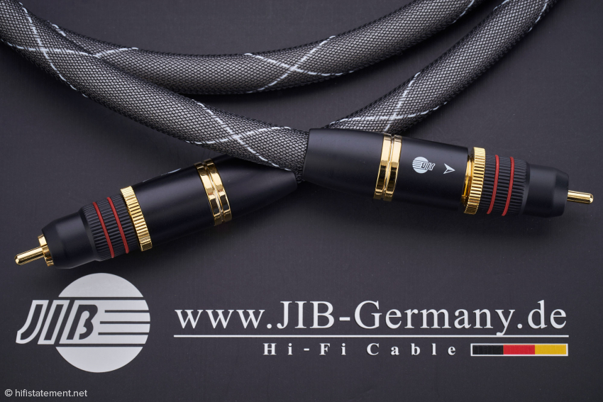 The reasonably priced Digital Diamond SPDIF cable comes with high value RCA connectors that tighten to the component's RCA jacks with just a twist