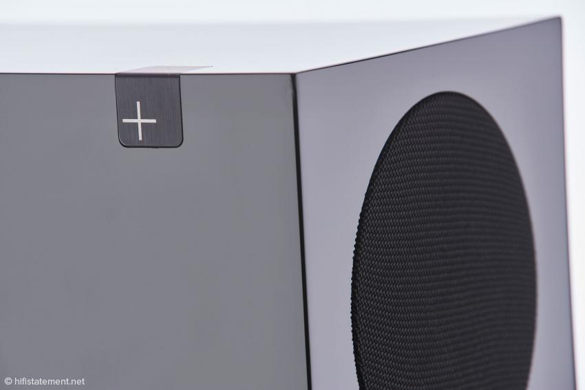 Signifikantes Merkmal der neuen Platinum+ Linie ist dieses Emblem