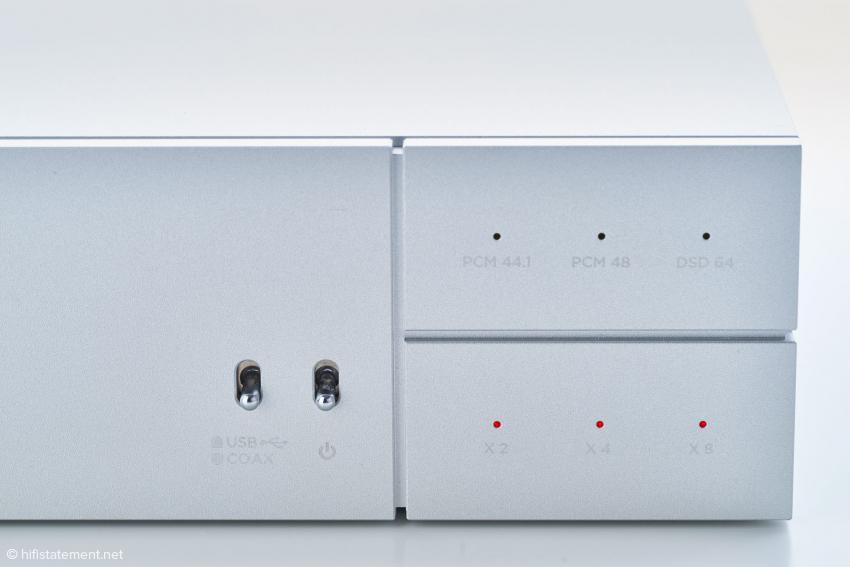 Minimalistisches Bedienungskonzept: zwei Schalter und sechs Leuchtdioden
