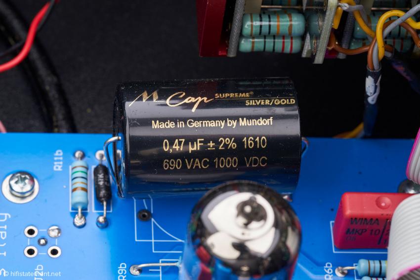Hochanständige Bauteile allerorten, hier ein feiner Mundorf-Kondensator