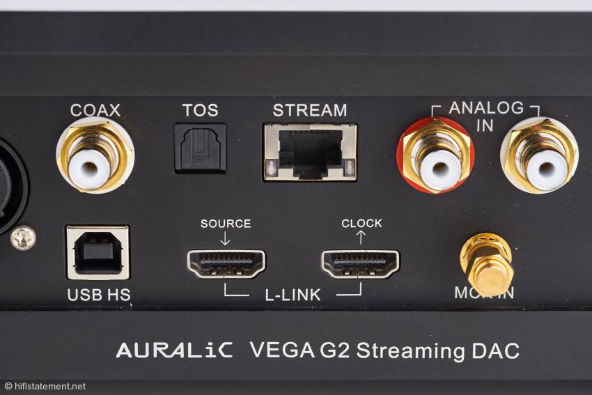 Die Lightning-Link-Verbindung zum Streamer ist einem USB-Kabel klanglich weit überlegen. Die Buchse daneben macht klar, welche Komponente die nächste in der G2-Familie sein wird: eine separate Clock