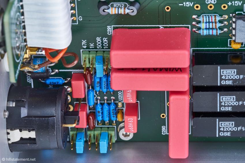Per Jumper lässt sich der model blue MKII optimal auf den Tonabnehmer anpassen