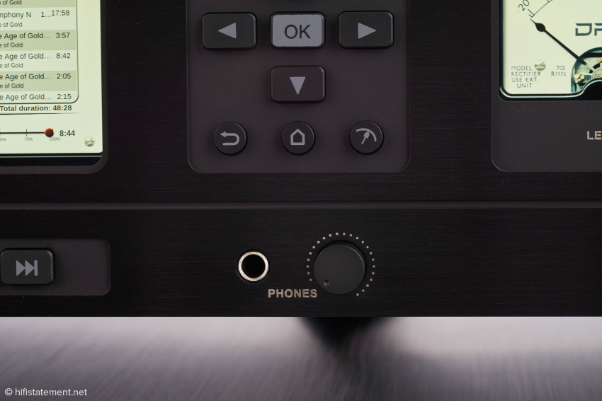 The keys on the Player's front allow full control of the HD-Player Model 2