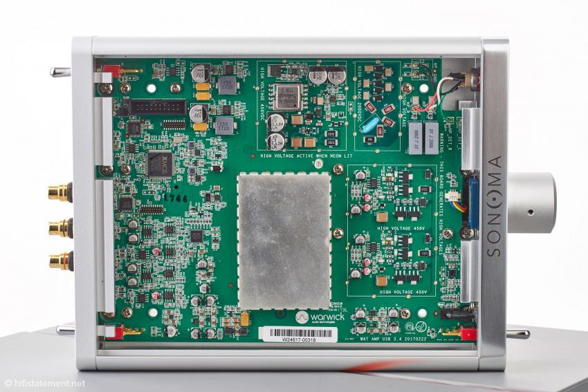 Hochspannungserzeugung, Verstärkung des Musiksignals, A/D- und D/A-Wandlung und Signal-Processing auf engstem Raum