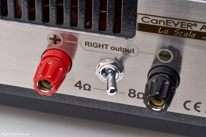 """Der Schalter zur Impedanz-Anpassung. Die Lautsprecherbuchsen werden in der endgültigen Serienversion noch durch """"audiophile"""" Buchsen ersetzt"""