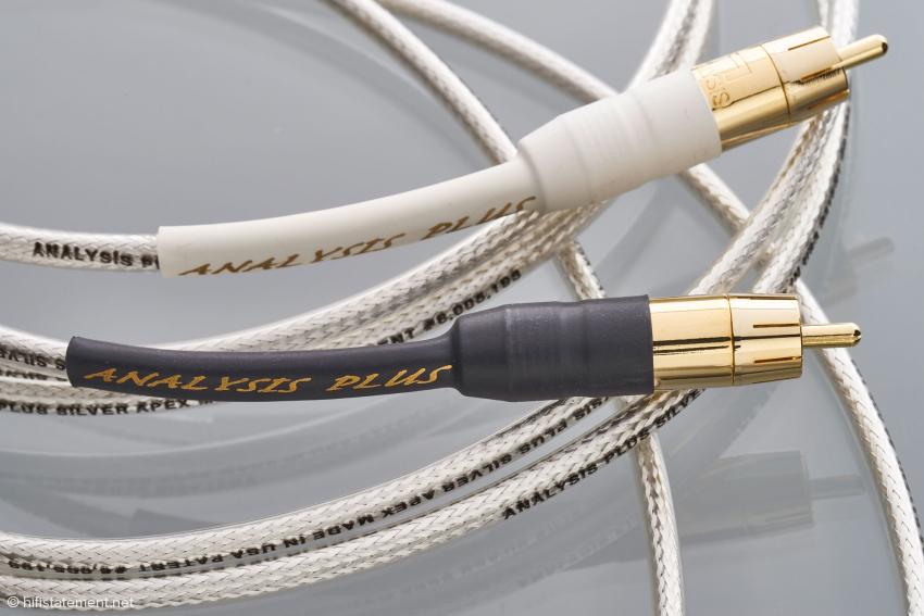 Auch die Gold-Cinch-Stecker sind sehr sorgsam mit dem Kabel konfektioniert