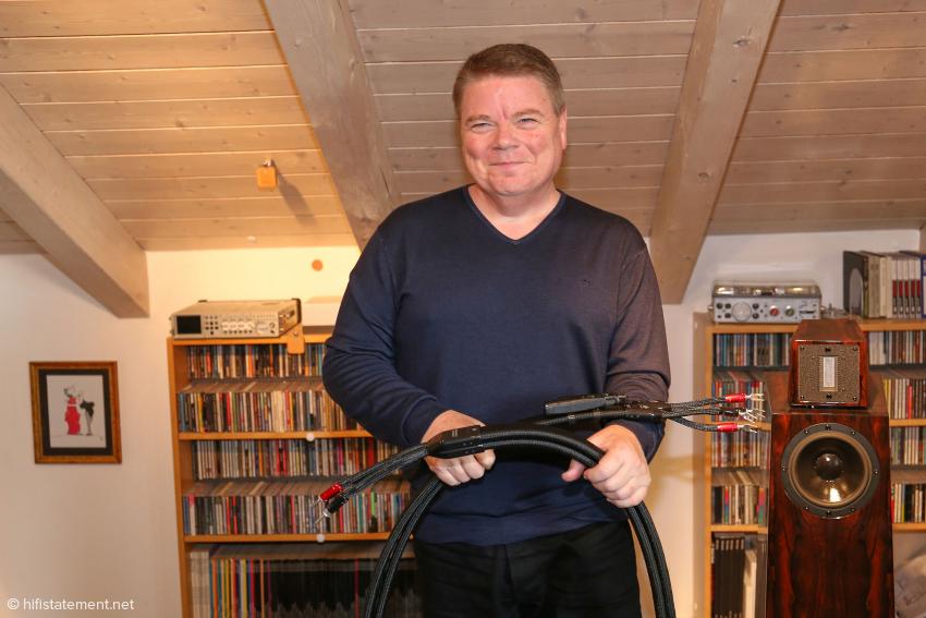 Garth Powell freut sich, dass seine Low-Z-Technologie auch bei Lautsprecherkabeln zu sehr guten Ergebnissen führt