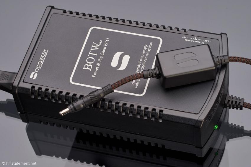 Die MK-II-Version ist auf den ersten Blick am schwarzen Typenschild zu erkennen. Das Gleichstromkabel und das des Ultra MKII sind nun von einem schützenden Geflecht umgeben und geschirmt