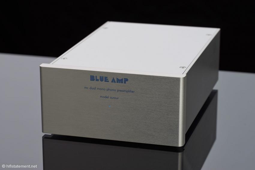 Im Design äußerlich eher zurückhaltend nobel treten die Blue Amp klanglich grandios und im positiven Sinne dezent auf