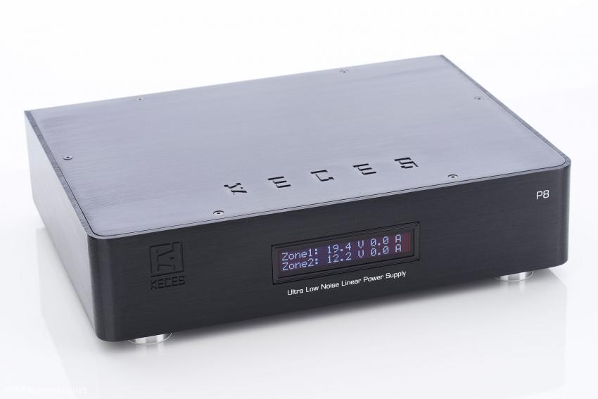 Das Keces P8 Dual kann mit seinen beiden Zonen auch Verbraucher mit unterschiedlichen Spannungen versorgen