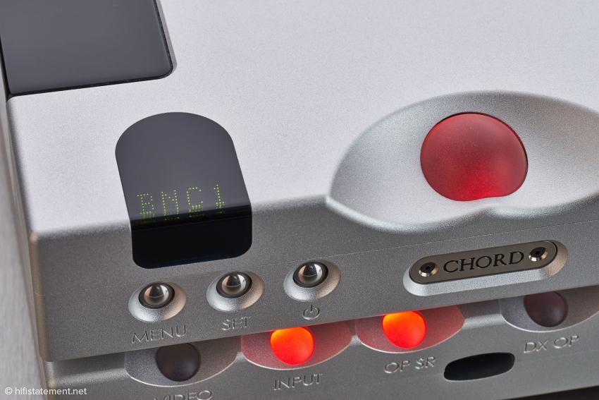Links oben das kleine Punktmatrix-Display des Hugo TT 2