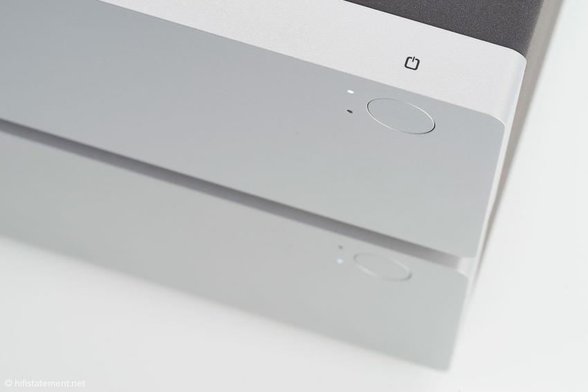 Der Standby-Schalter wurde bündig in die 20 Millimeter starke Frontplatte eingelassen