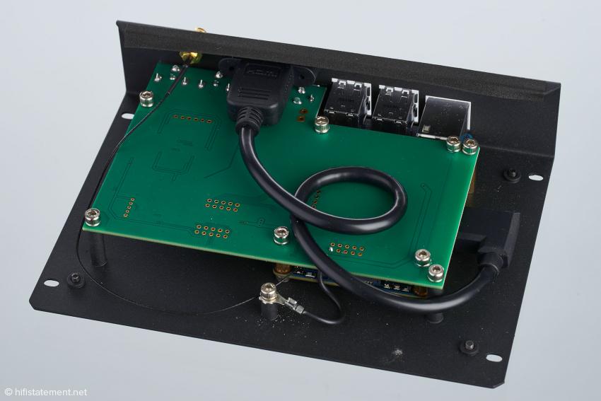 Innenansicht des Primo: Das DAC-Board ist mit den Bauteilen nach unten eingebaut