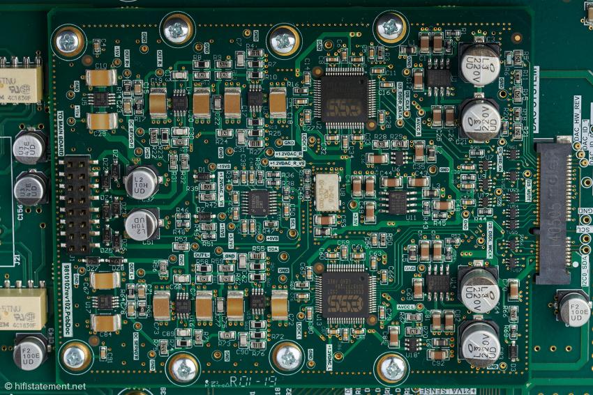 Ein achtkanaliger ESS9018 liefert das symmetrische Signal für einen Kanal