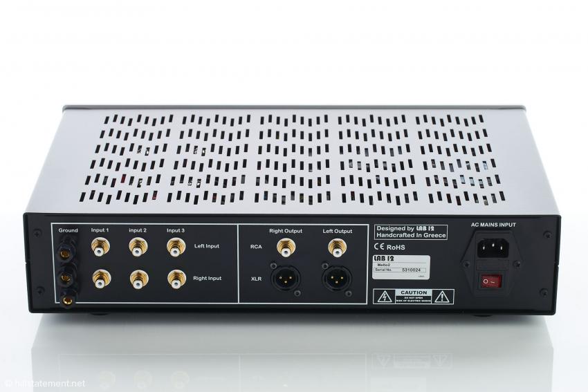 Der Melto2 besitzt drei Eingänge für Tonabnehmer und bietet symmetrische und unsymmetrische Ausgänge