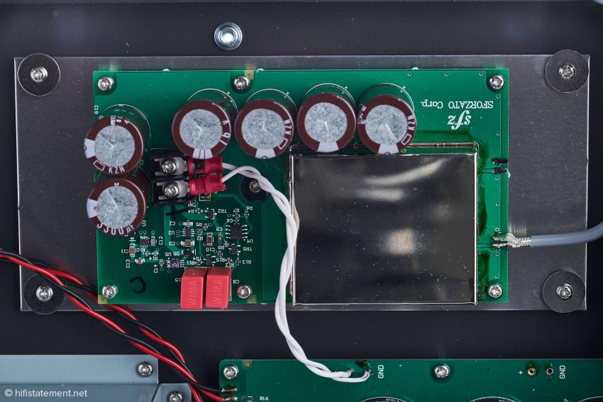 Die Clock-Einheit im Detail, die eigentliche Clock ist nochmals gesondert abgeschirmt