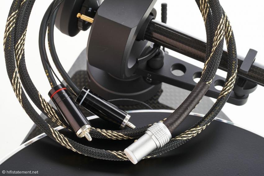 Das Phonokabel Connect it 5P-CC ist im Paket enthalten