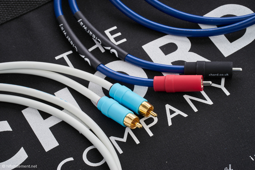 Das Clearway Analogue RCA ist mit den komplett ummantelten, höherwertigen Cinch-Steckern besser verarbeitet als das Kabel aus der C-Screen
