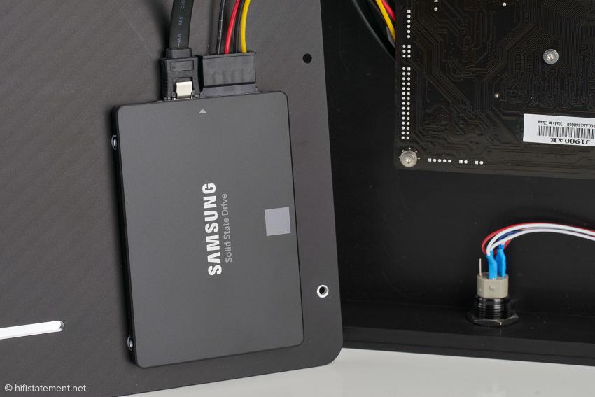 The Audio One ist serienmäßig mit einer knapp zwei Terabyte großen SSD bestückt