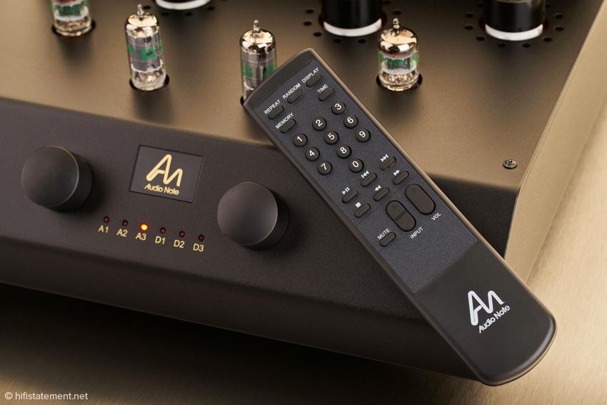 Audio Notes Systemfernbedienung steuert auch den Vollverstärker Cobra