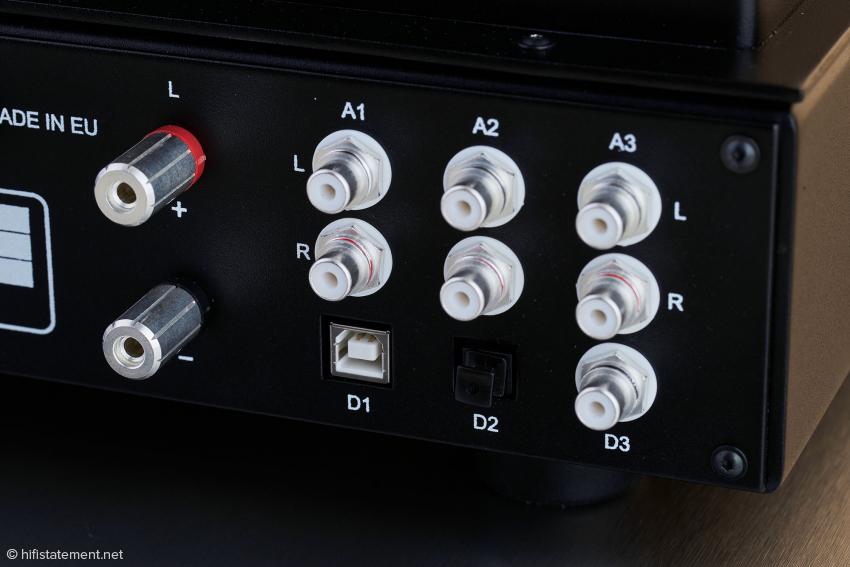 Üblicher Standard bei Audio Note sind die versilberten Cinchbuchsen