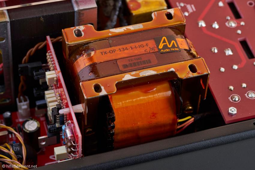 Die hochwertigen Doppel-C-Kern Übertrager stammen bei Audio Note selbstverständlich aus eigener Produktion