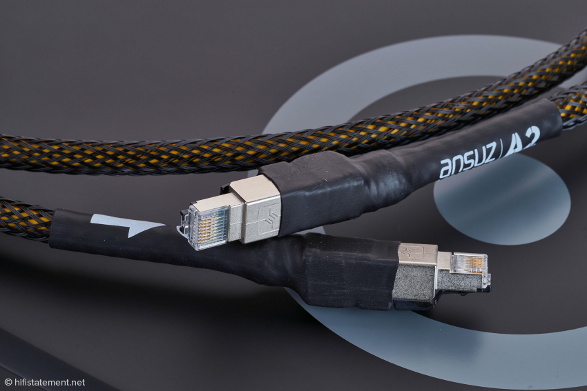 The Ansuz Acoustics Digitalz Ethernet Cable A2 is real high quality and visually impressive, but is not equipped with a power line to influence the dielectric