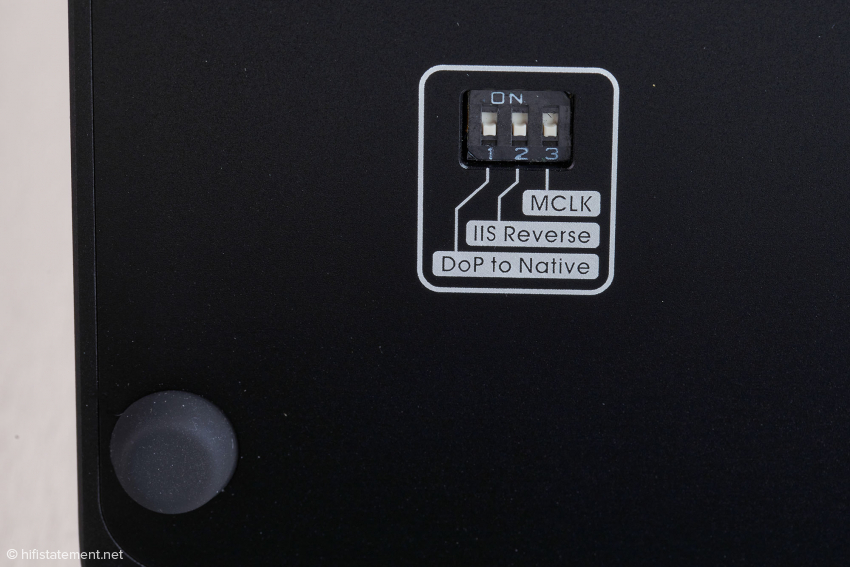 Das Mäuseklavier auf der Unterseite erlaubt unter anderem die Belegung der Kontakte der HDMI Schnittstelle für die I2S-Signale zu verändern und die DSD-Ausgabe nativ oder per DSD over PCM zu wählen