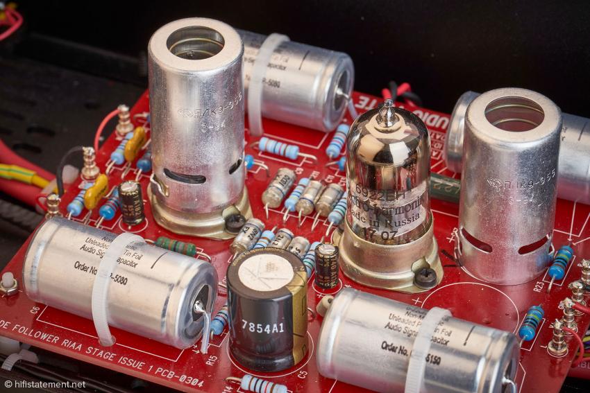 6922 von Electro Harmonix in der Phonosektion als Pendant zur 6DJ8 beziehungsweise ECC88