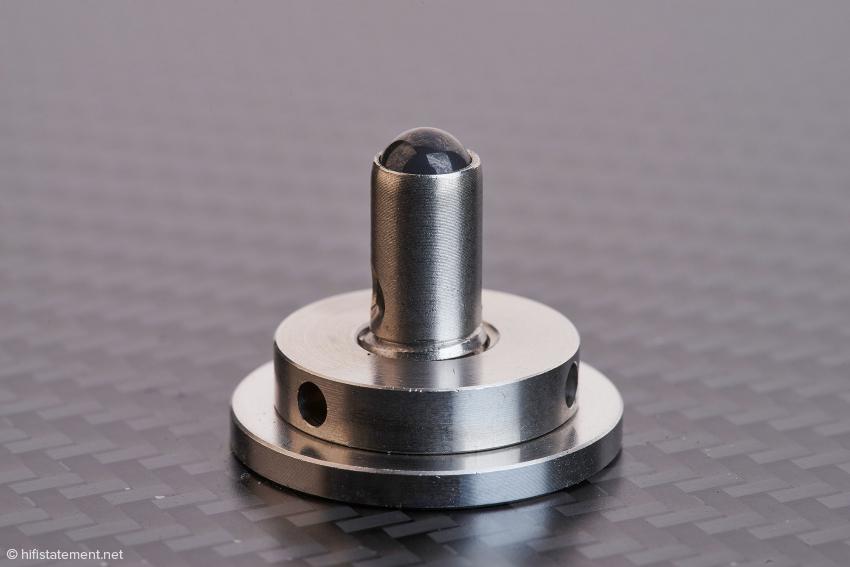 Die Keramik-Kugel-Koppler sind fest im Boden implantiert und passen nicht zum alten Pagode, sondern sind eine der Innovationen des Pagode MK II