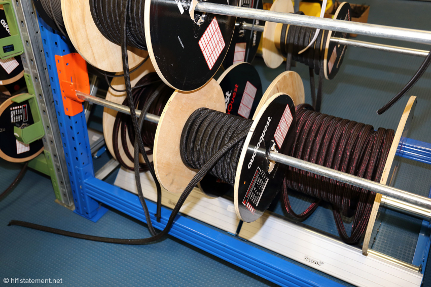 In Roosendaal werden die Kabel auf Rollen angeliefert