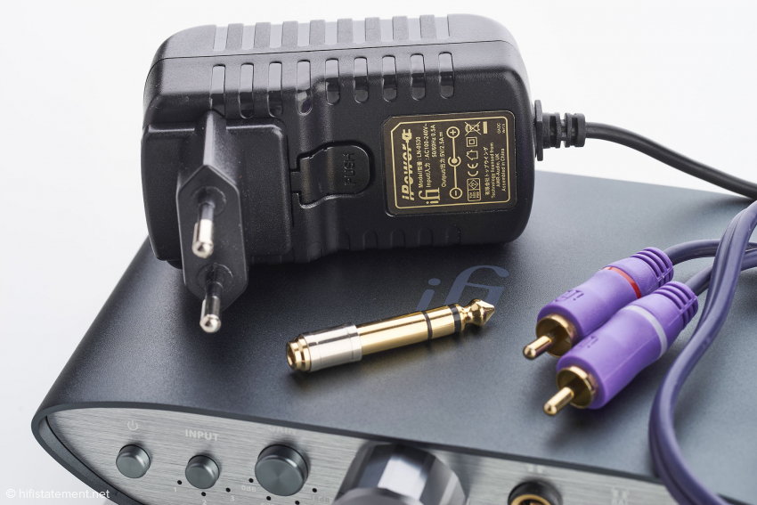 Der Klinkenadapter und das Cinch-Kabel gehören zum Lieferumfang. Das hochwertige iPower bleibt den ersten 1.000 bei WOD-Audio bestellten Geräten vorbehalten, danach wird ein Standard-Netzteil geliefert