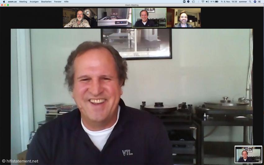 Luke Manley erläuterte die Besonderheiten seiner Verstärker per Zoom. Oben rechts im Bild Audio-Reference-Mitarbeiter Maximilian Merk, oben links der Autor