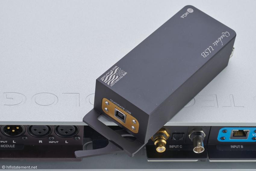 Das Standard-USB-Eingangmodul fällt gegenüber der USB-Lichtleiterverbindung klanglich deutlich ab