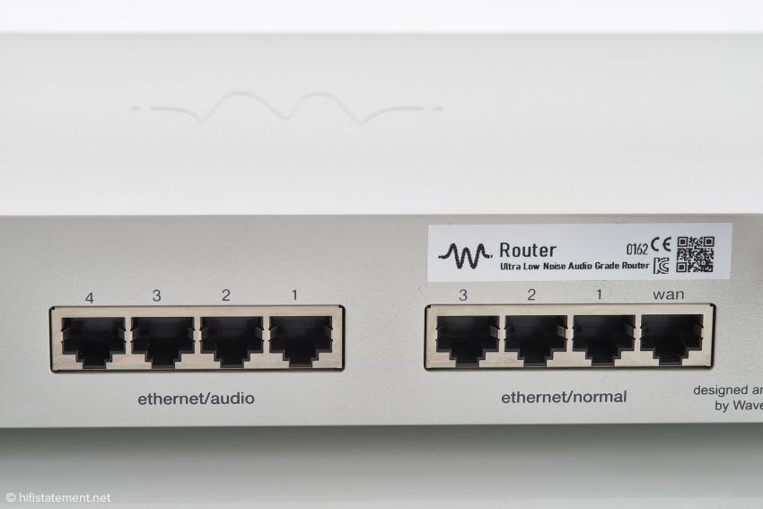 Der Prozessor-Chip für die LAN-Anschlüsse für Audio wird im Wechsel von zwei Akkus gespeist