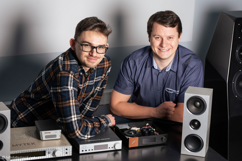 Maksymilian Matuszak, who is largely responsible for the hardware of the HYPSOS, and Paweł Gorgoń, the head of the R&D department, with various components that the Hypsos can supply with a matching voltage