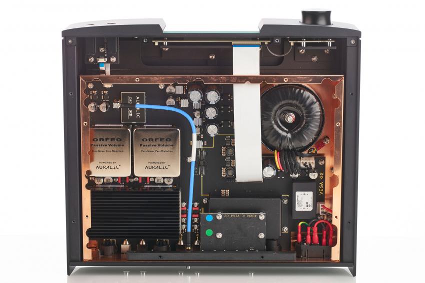 Dem Leo GX.1 liegt ein zweites 60-Gigahertz-Kabel bei, das im Vega montiert werden soll