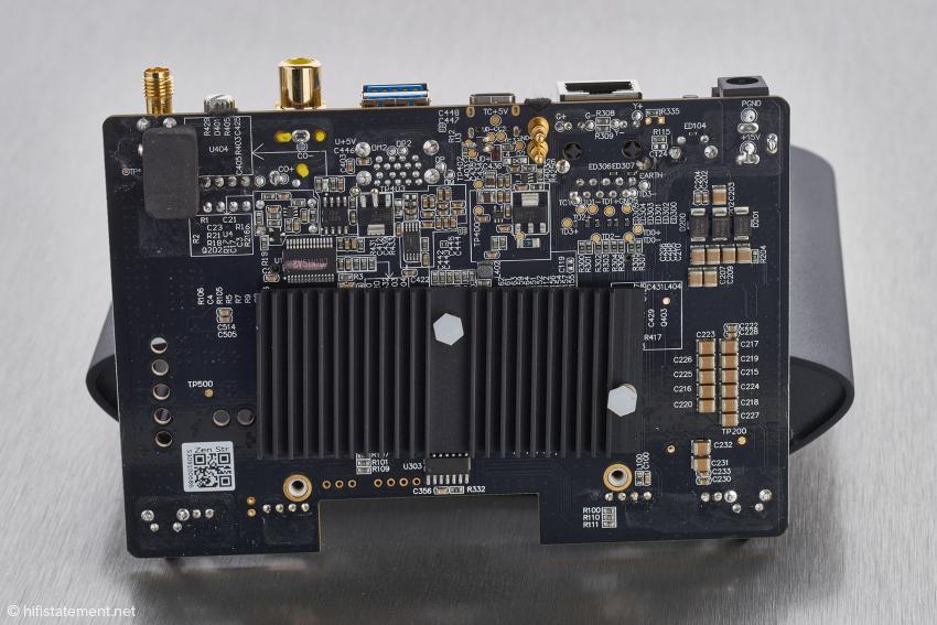Für maximale Unempfindlichkeit gegenüber Faktoren wie Temperatur, Spannungsschwankungen und zur Vorbeugung von Einstreuungen ins Audiosignal und Mikrofonie nutzt iFi hochwertige Kondensatoren der Klasse C0G